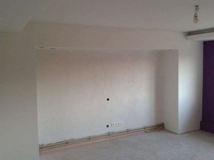 Vymaľované.. už len tapeta pojde na stenu  a ešte na stenu v ľavo :)