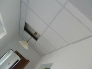 Kazetový strop v chodbe :)