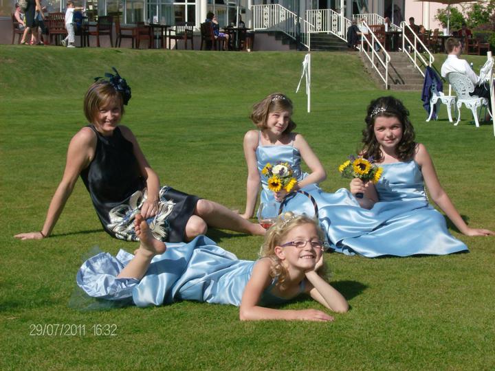 Kathryn beard{{_AND_}}Iain larkin - young bridesmaids