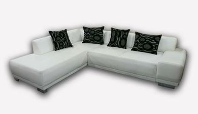 sedačka - biela koženka -kúpená