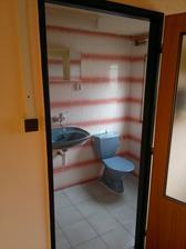 Podkroví, samostatná koupelna pokoje 3