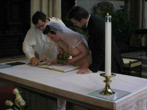 První podpis jako Šichová, přehodila jsem podpisy a hrozně přemýšlela jak se mám podepsat :-)
