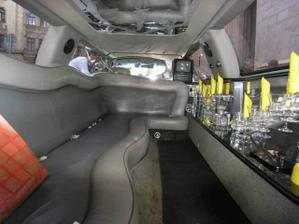 limuzína uvnitř