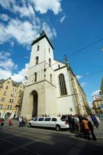 kostel zdálky (od Kamila Jursy)