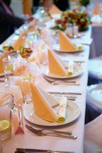 Krásná výzdoba stolů od Nejkrásnější svatby (od Kamila Jursy)