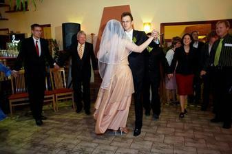 První tanec - waltz (od Kamila Jursy)
