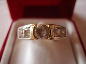 Môj zásnubný prstienok......nádhera!!
