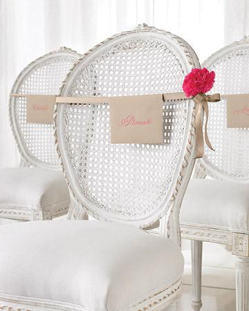 Snívam o takejto svadbe - Super napad, mam krasne stolicky bez navlekov tak by sa to na nich hodilo :-)