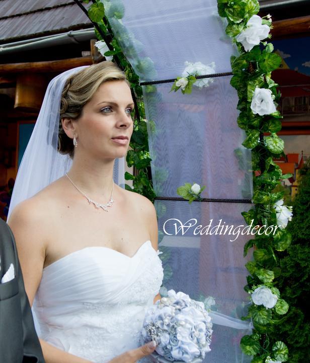 Naše spokojné zákazníčky a naše výrobky :) - Nevesta Janka - strieborná kytica, pierko pre ženícha a pre malého družbu