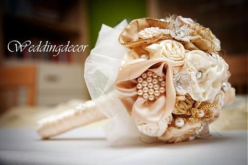 Naše spokojné zákazníčky a naše výrobky :) - Nevesta Katka - kytička a pierko pre ženícha