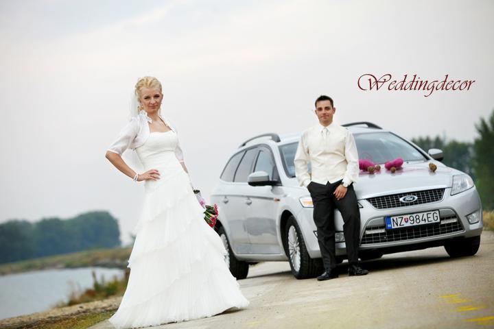 Naše spokojné zákazníčky a naše výrobky :) - Nevesta Martinka - naša srdiečková výzdoba na auto