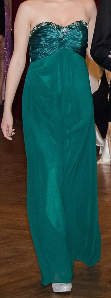 Smaragdové šaty  - Obrázok č. 1