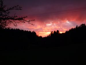 dnešní západ slunce u nás
