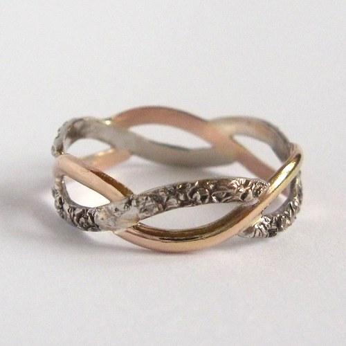 Selská svatba + Má tvorba - můj prstýnek.. :) je nádherný..
