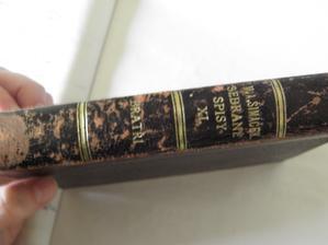 tak tohle je kniha vybraná pod prstýnky.. Je opravdu stará, přesně tak, jak jsem požadovala.. :) Krásně oprýskaná..