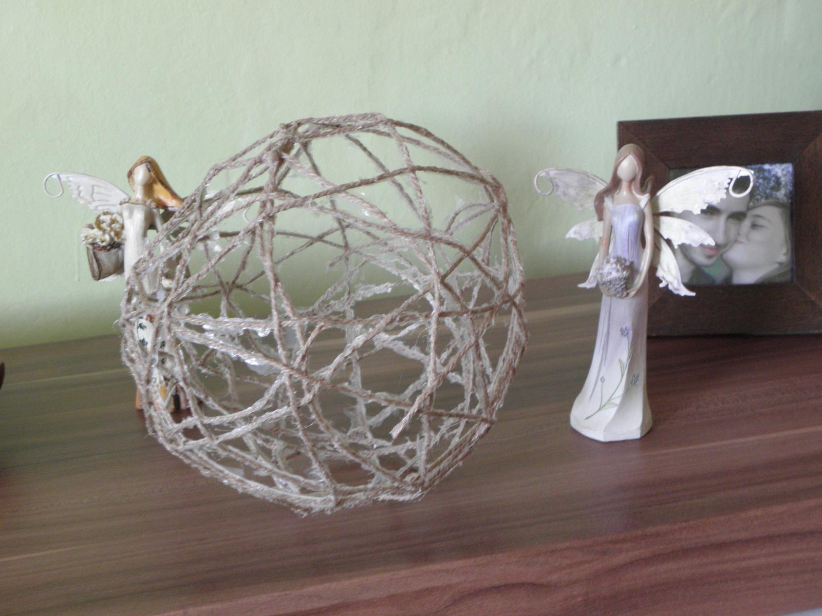 Selská svatba + Má tvorba - První koule z přírodního lýka.. Noooo, není dokonalá, ale až bude viset, to bude teprve efekt..