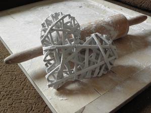 Moje nejpovedenější srdíčko z papírových ruliček.. :) Nějak mě to chytlo... :) Plánuji jich kupu..