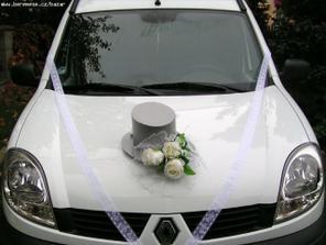 Na autíčko pro ženicha...