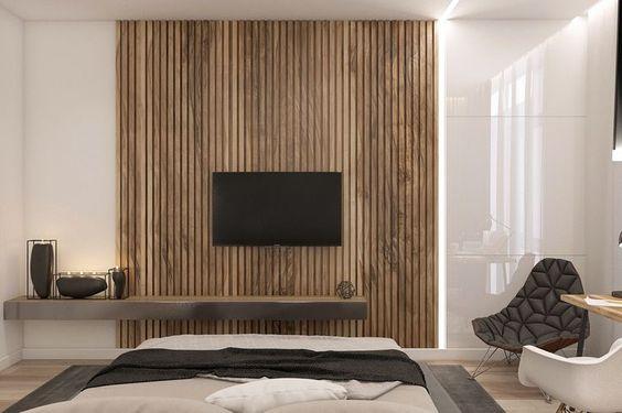 Obývák :-) - stěna za TV realiazce na jaře... jupíí