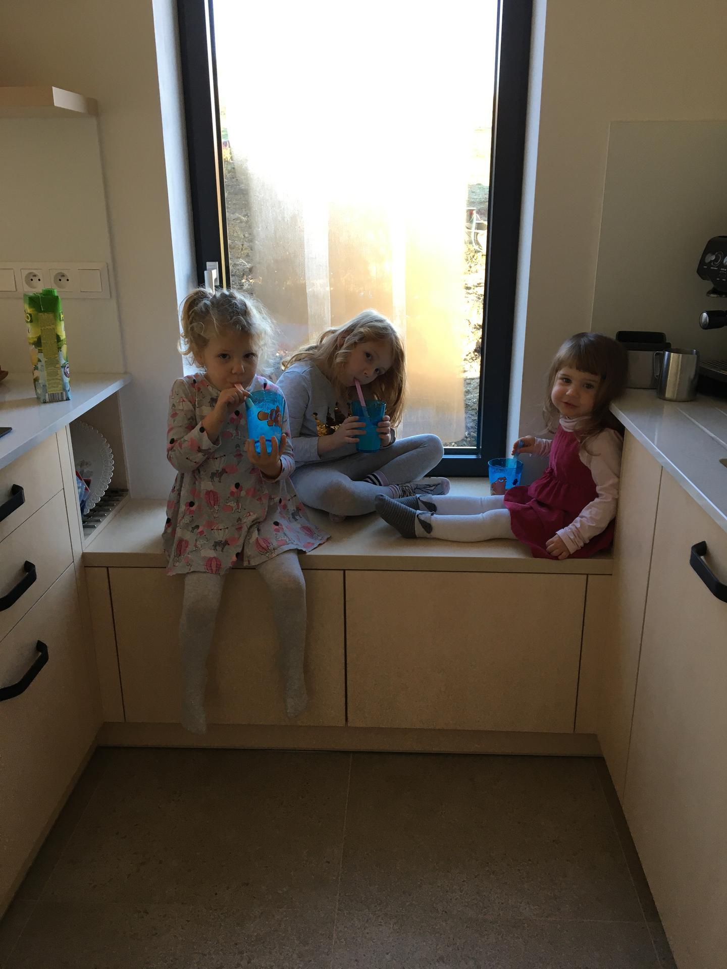 Tvorime domov - sedenie v okne ma vyuzitie na 100%
