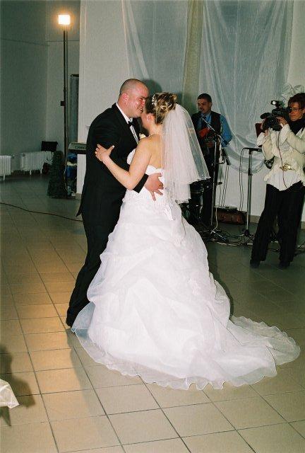 Lucia{{_AND_}}Jarino - prvý tanec novomanželov