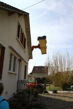 Susedia miestami zatvarali oci, bali sa o strechu :) Nastastie bolo bezvetrie...