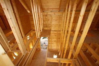 01/04 - Tu budu schody, mini mezzanine, velux na streche a vlavo aj WC.