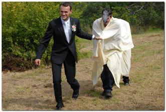 překvapení pro nevěstu - aby mi nebylo líto, že na svatbě nemohla být i moje kobylka :-) ta fotka hlavy je fakt její :-D