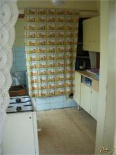 Původně kuchyň.. teď je to naše koupelna:)