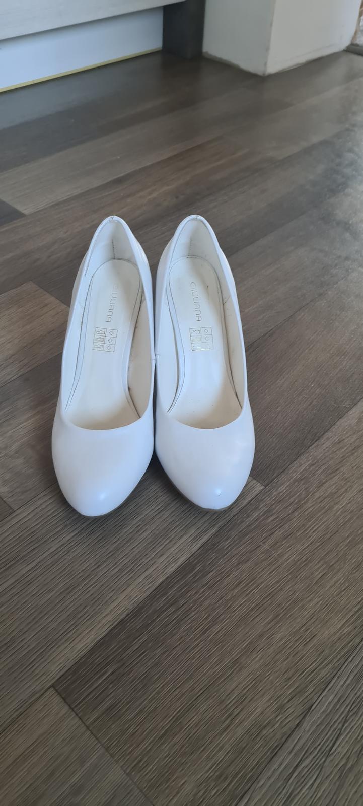 bílé lodicky - Obrázek č. 1