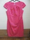 růžové šaty,