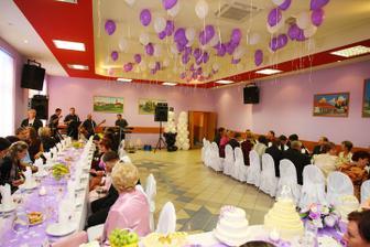 Mesiac pred nasou svadbou vymalovali na fialovo:D