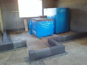 stavanie prvých priečok :)