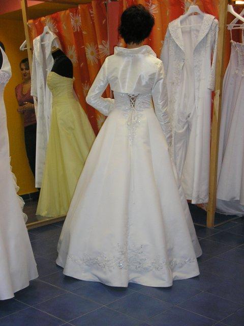 Hlavně šaty - Obrázek č. 4