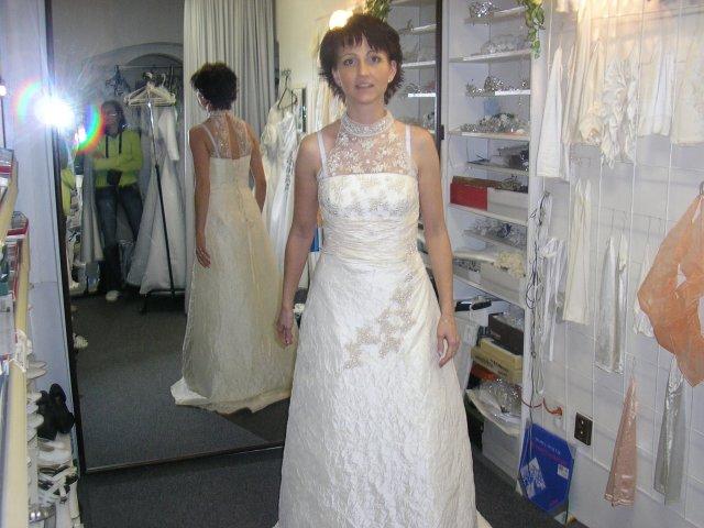 Hlavně šaty - Obrázek č. 23