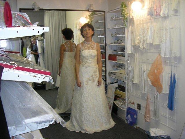 Hlavně šaty - Obrázek č. 24