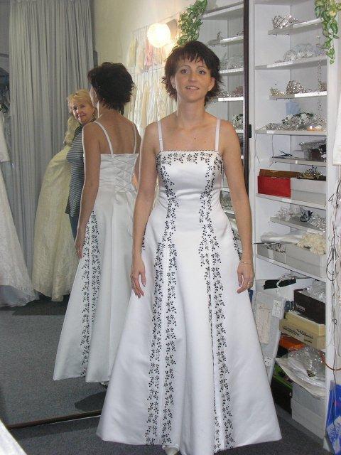 Hlavně šaty - Obrázek č. 26
