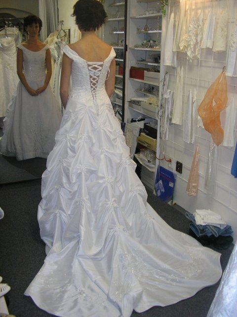 Hlavně šaty - Obrázek č. 28