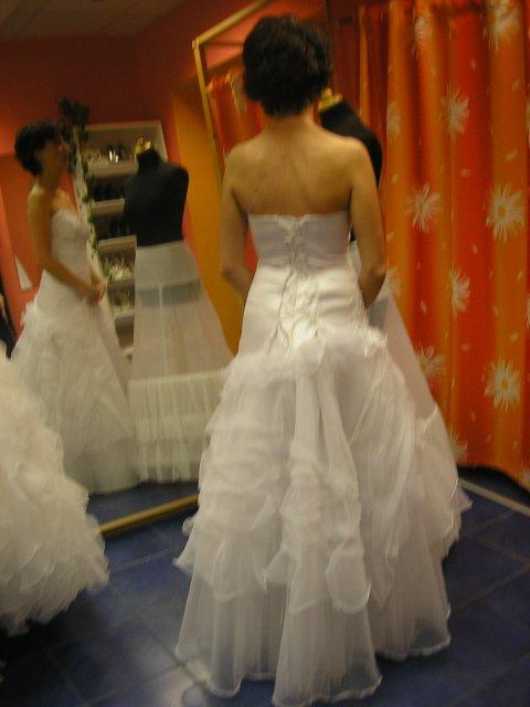 Hlavně šaty - Obrázek č. 33