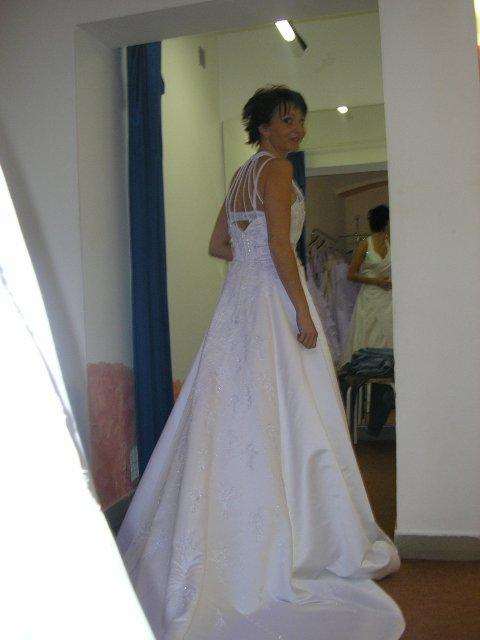 Hlavně šaty - pěkné,takové chci