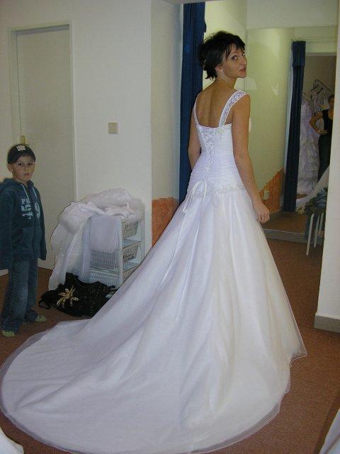 Hlavně šaty - Obrázek č. 39