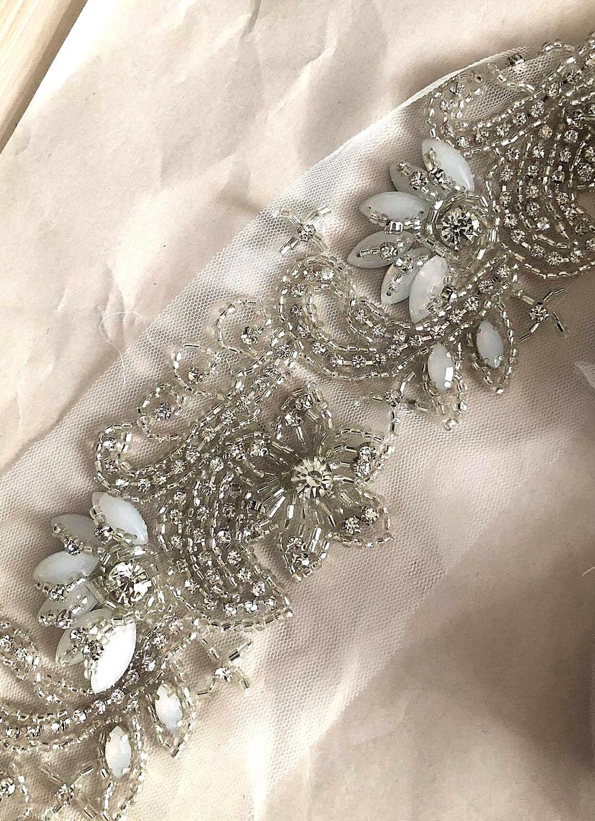 Wedding Time - opasok k šatám :) už ho len našiť na látku :)