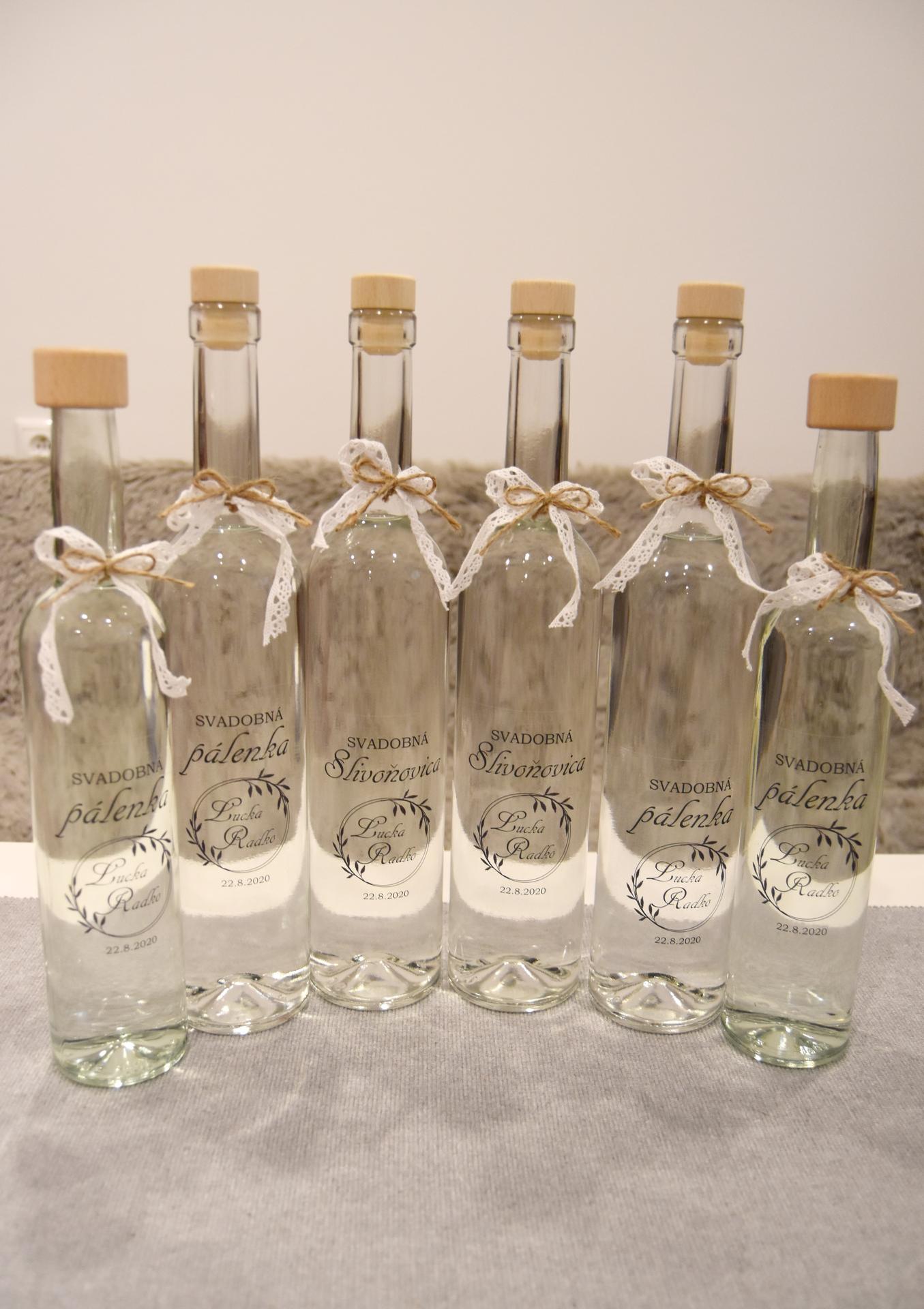 Wedding Time - výslužkové fľašky hotové :) svadobná Slivoňovica (slivovica) pôjde najbližšej rodinke a svadobná pálenka (jablkovica) ostatným hosťom :)