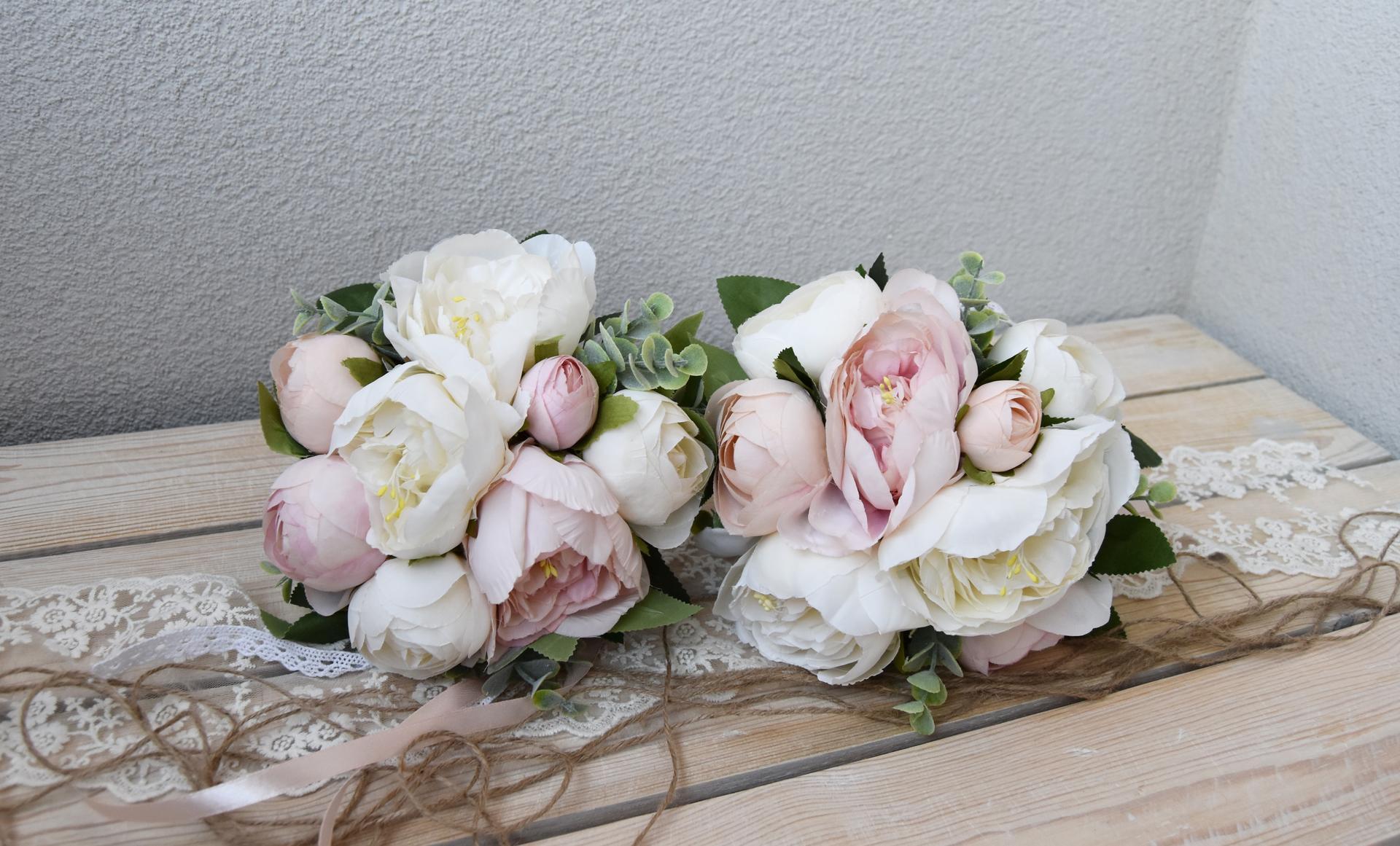 Wedding Time - kytičky pre veľké družičky :)
