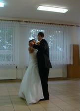 ...a náš prvý mladomanželský tanec...