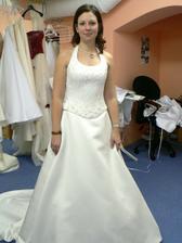 9.šaty-krásné, ale korzet jako krunýř