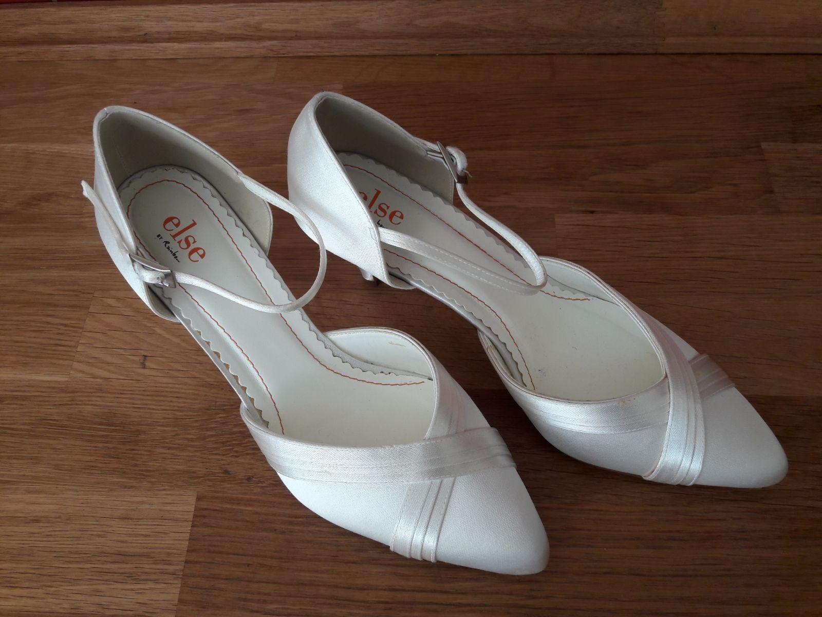 biele svadobne topanky - Obrázok č. 2