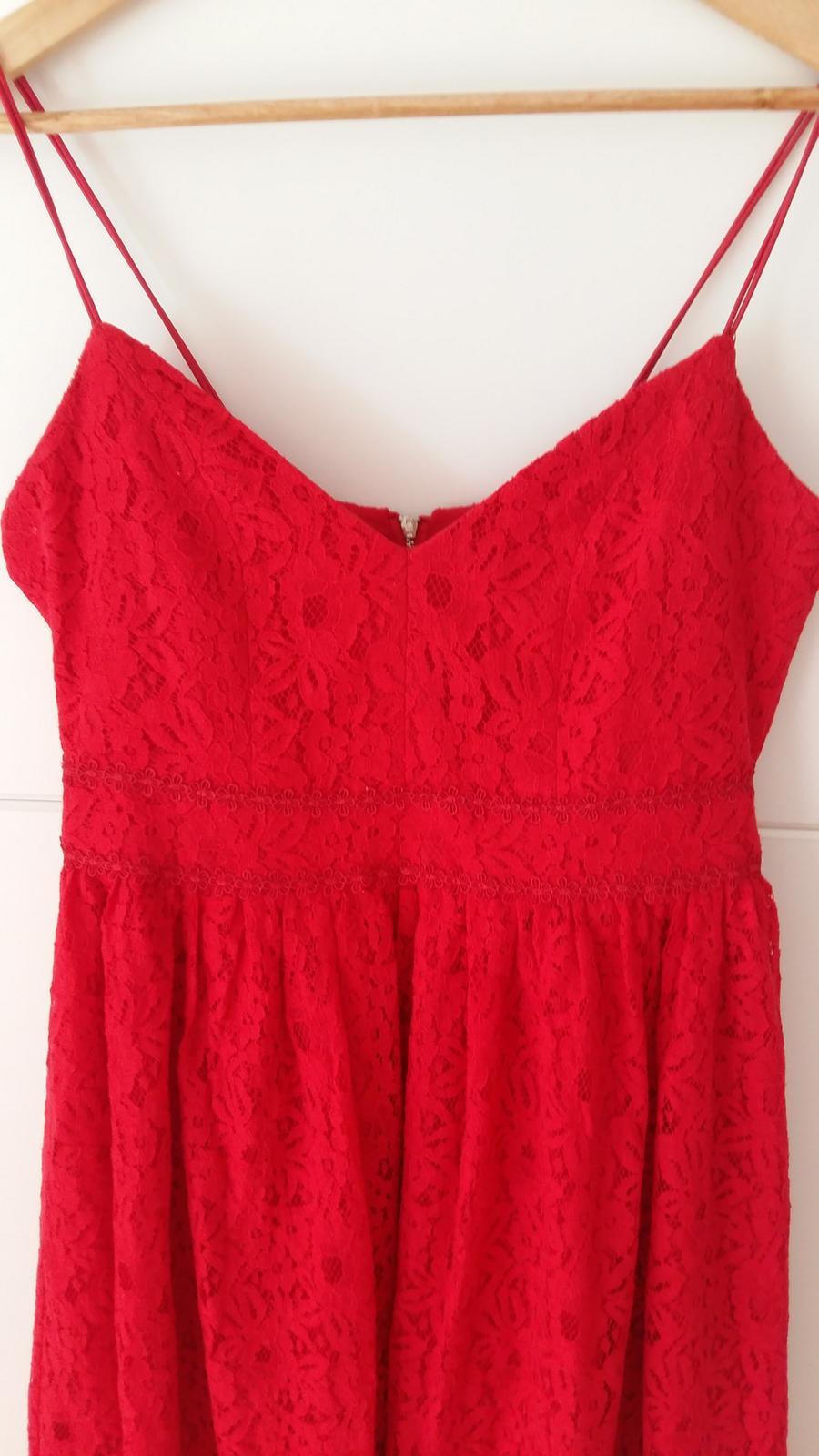 Červené čipkované šaty s výstrihom veľ. 42 - Obrázok č. 2