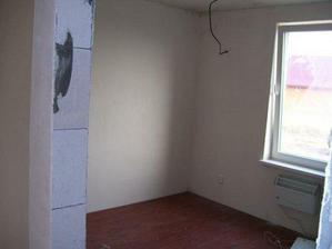 spálňa - už len steny domľovať - strop už je