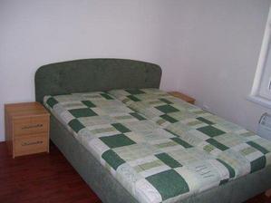 spálňa - posteľ